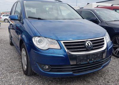 VW Touran Conceptline 1,9 TDI DPF DSG Kombi / Family Van